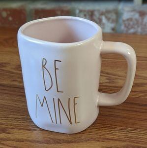 [Rae Dunn] ♥️Valentine's Day Mug